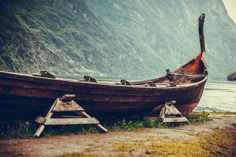 В Норвегии археологи нашли древнее захоронение викингов