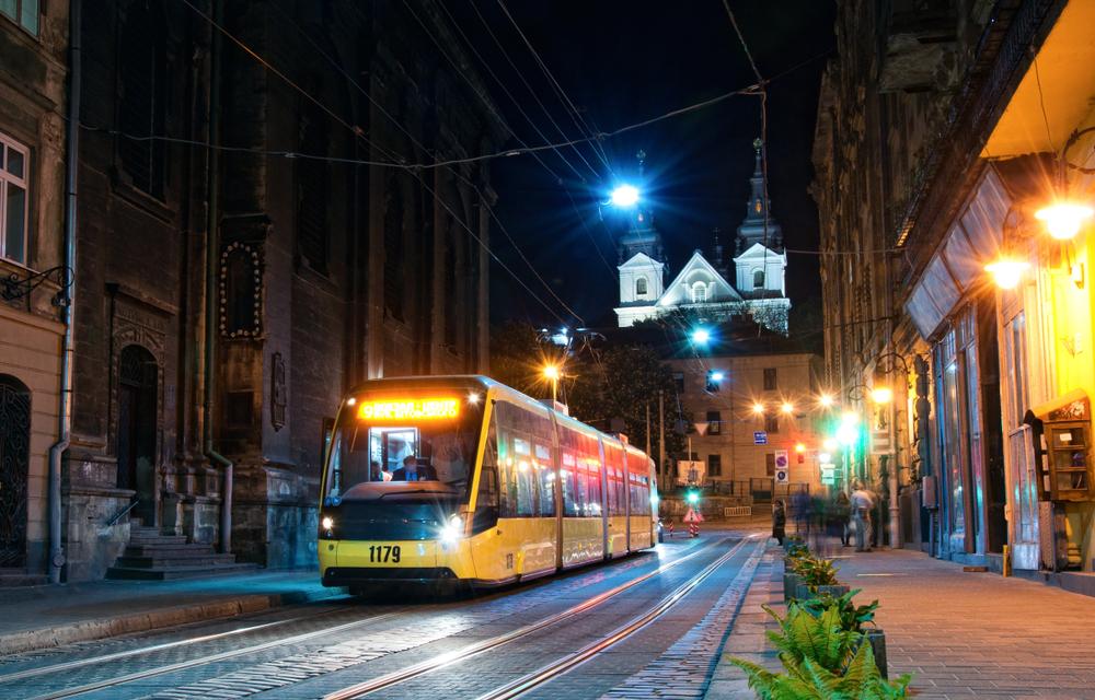 Во Львове за трамвай и троллейбус можно заплатить с помощью SMS