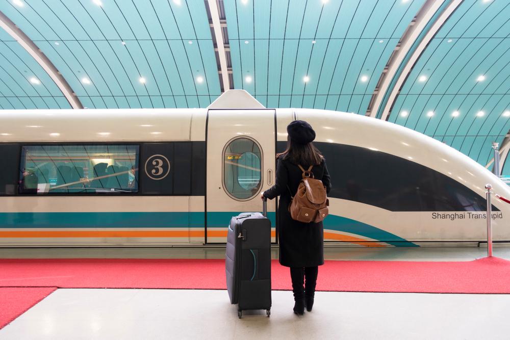 К 2020 году Китай запустит беспилотные поезда, движущиеся со скоростью 200 км/час