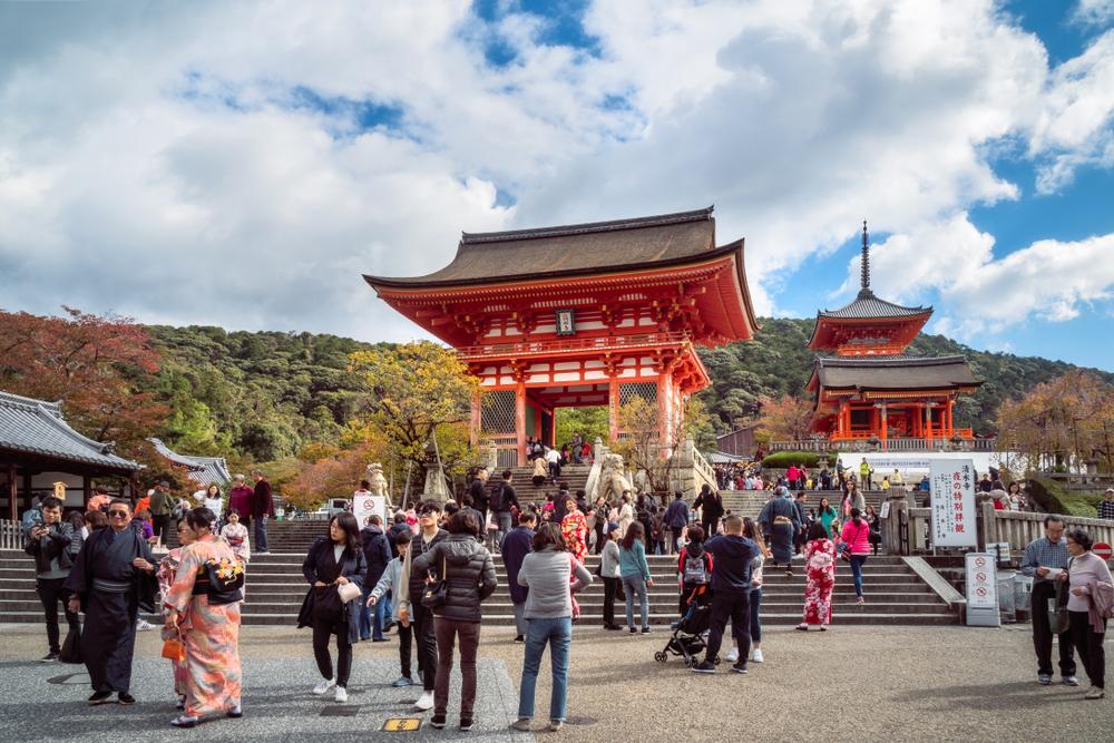 Японские достопримечательности, где больше не рады туристам