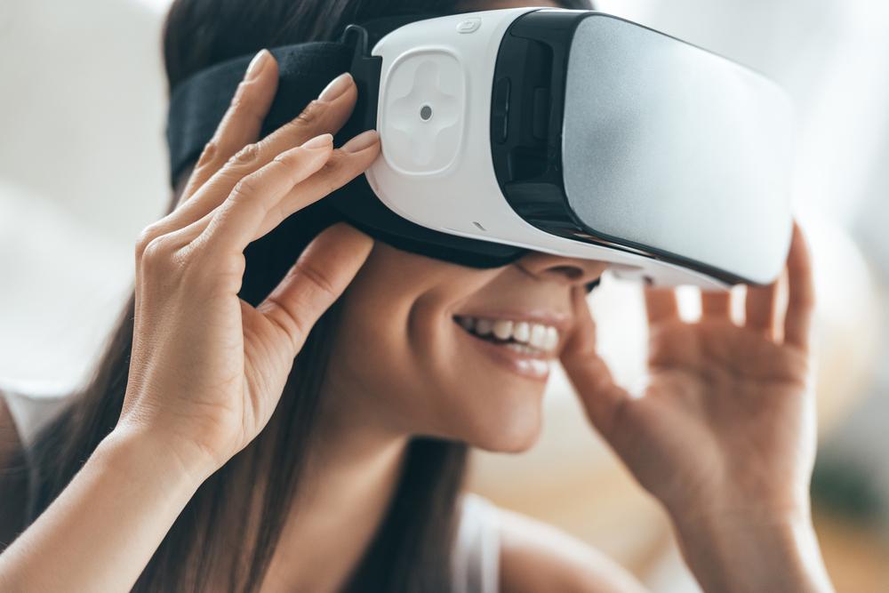 Виртуальная реальность, йога на борту и спецменю: как будут выглядеть самолеты будущего