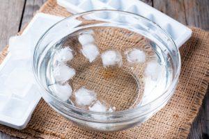 Почему лед не тонет в воде?