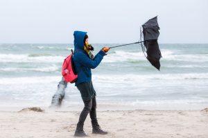 Украину накроют дожди и ураганный ветер: объявлено штормовое предупреждение