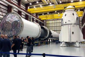 SpaceX впервые запустила пилотируемый корабль Dragon 2 (видео)