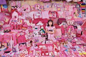 Цветовой код: фотограф из Южной Кореи обличает гендерные стереотипы в детских вещах