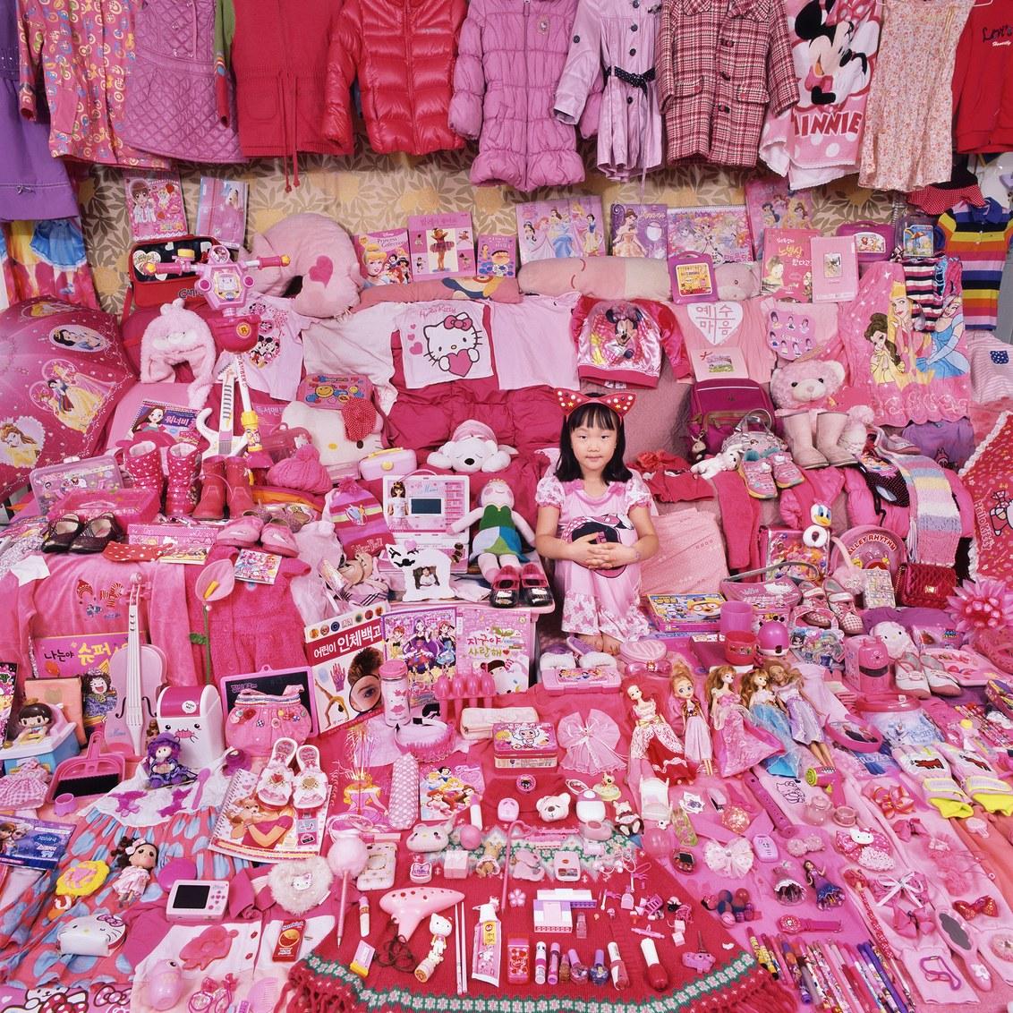 Цветовой код: фотограф из Южной Кореи обличает гендерные стереотипы в детских вещах.Вокруг Света. Украина
