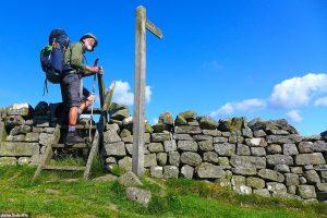 70-річний британець здолав 2000 кілометрів пішки з рюкзаком