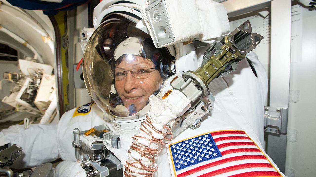 328 дней на орбите: женщина-астронавт NASA побьет рекорд непрерывного пребывания в космосе