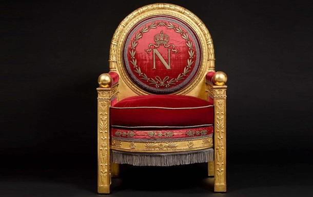 На аукционе продали трон Наполеона