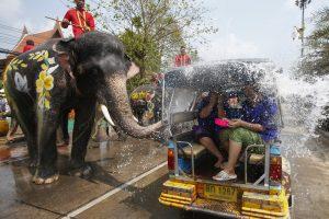 Водные бои и неделя выходных: в Таиланде празднуют новый 2562 год
