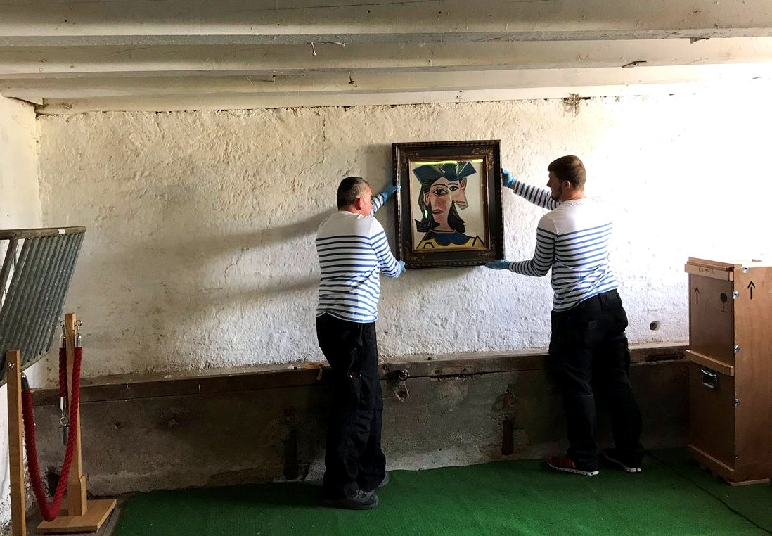 Швейцарец на день стал владельцем картины Пикассо и повесил ее в сарае