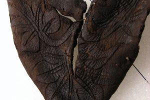 Археологи нашли в Швейцарии фрагмент детского ботинка 14 века
