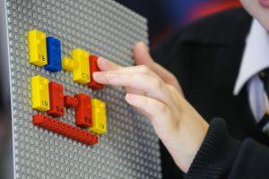 Lego выпустила конструктор для слабовидящих детей