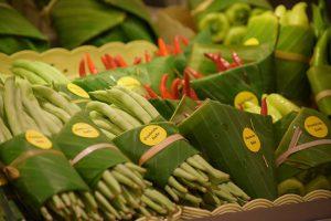 Листья вместо пластика: в азиатских супермаркетах внедряют эко-упаковку