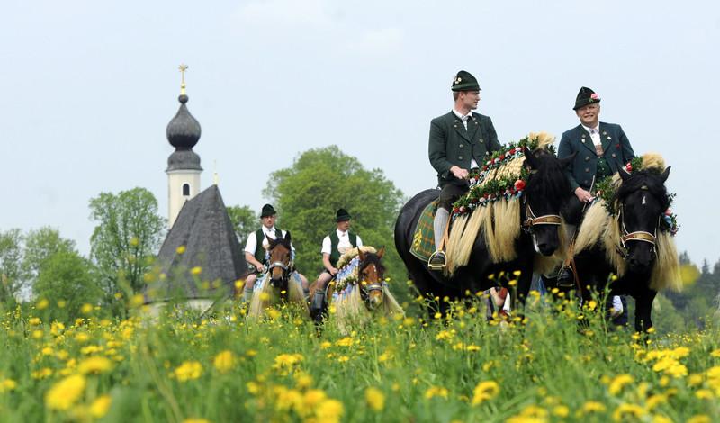 Кавалькада святого Георгия: зачем баварцы заплетают лошадей в пасхальный понедельник