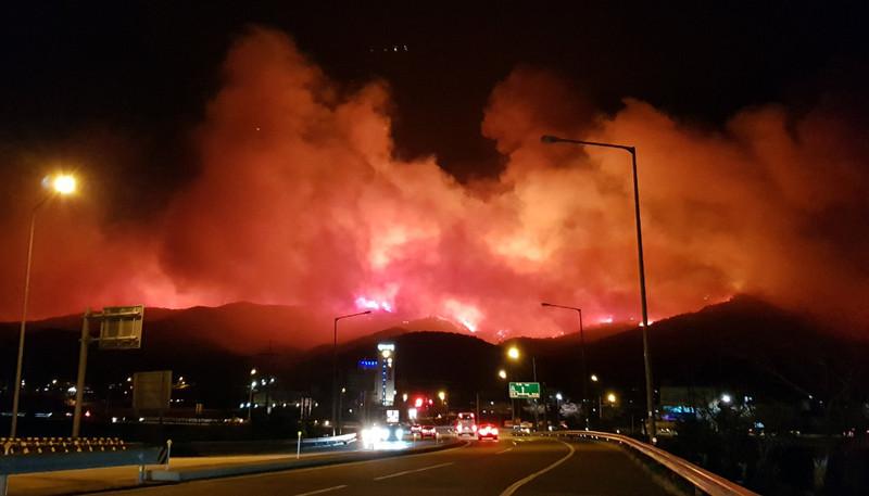 В Южной Корее — масштабный пожар