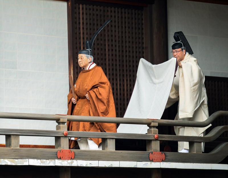 Император Акихито оставил Хризантемовый трон
