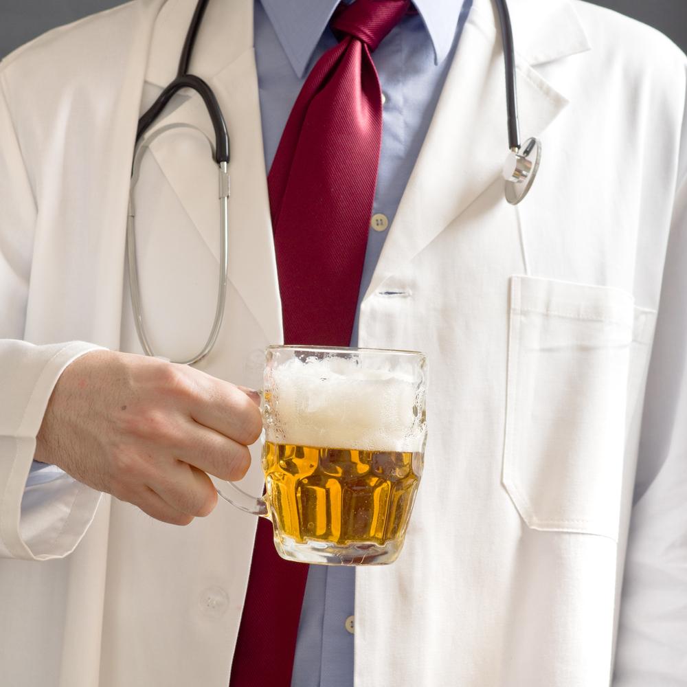 Ученые доказали, что алкоголь не защищает от инсульта и инфаркта