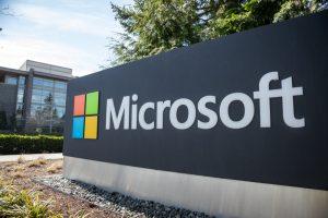 По 12 часов 6 дней в неделю: Microsoft обвиняют в нарушении трудового кодекса