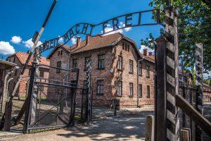 Турист попытался обокрасть музей Освенцима