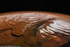 На Марсе обнаружили огромное количество воды – остатки древней ледяной шапки