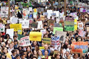 Забастовки школьников против изменений климата бьют рекорды явки
