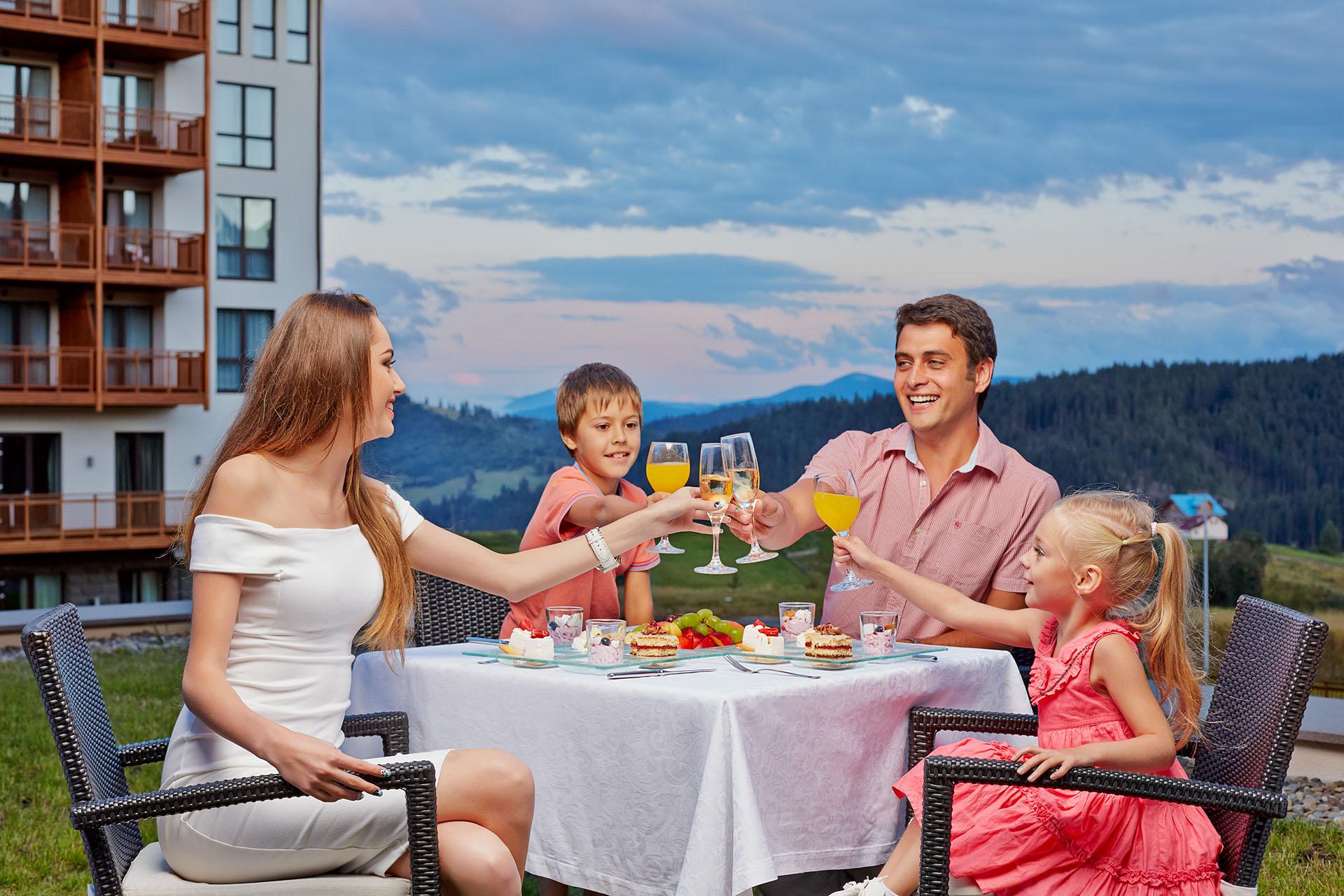 Карпаты ждут: отель для семейного отдыха Radisson Blu Resort, Буковель