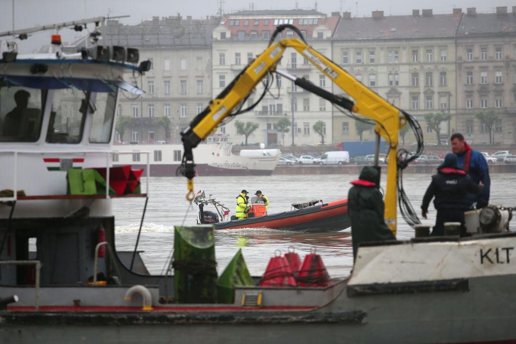 В Будапеште перевернулся катер с туристами. Есть жертвы
