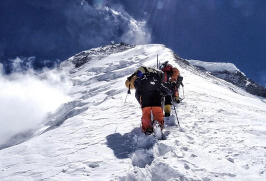 На Эвересте за неделю погибло десять альпинистов