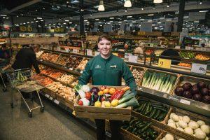 Британский супермаркет не продает овощи и фрукты в пластике