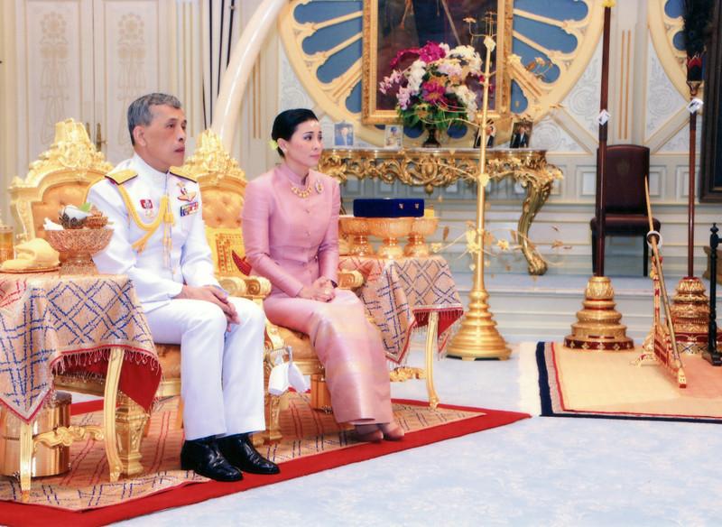 Король Таиланда женился на генерале личной охраны.Вокруг Света. Украина