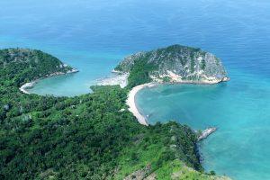 В Индийском океане внезапно появился действующий вулкан