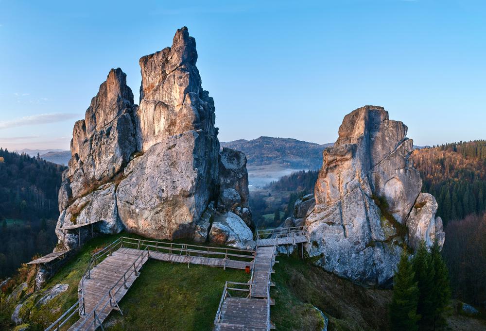 Тустань: карпатская крепость-призрак, которую вы не видели, а стоит!.Вокруг Света. Украина