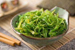 Морские водоросли в меню: польза и вред