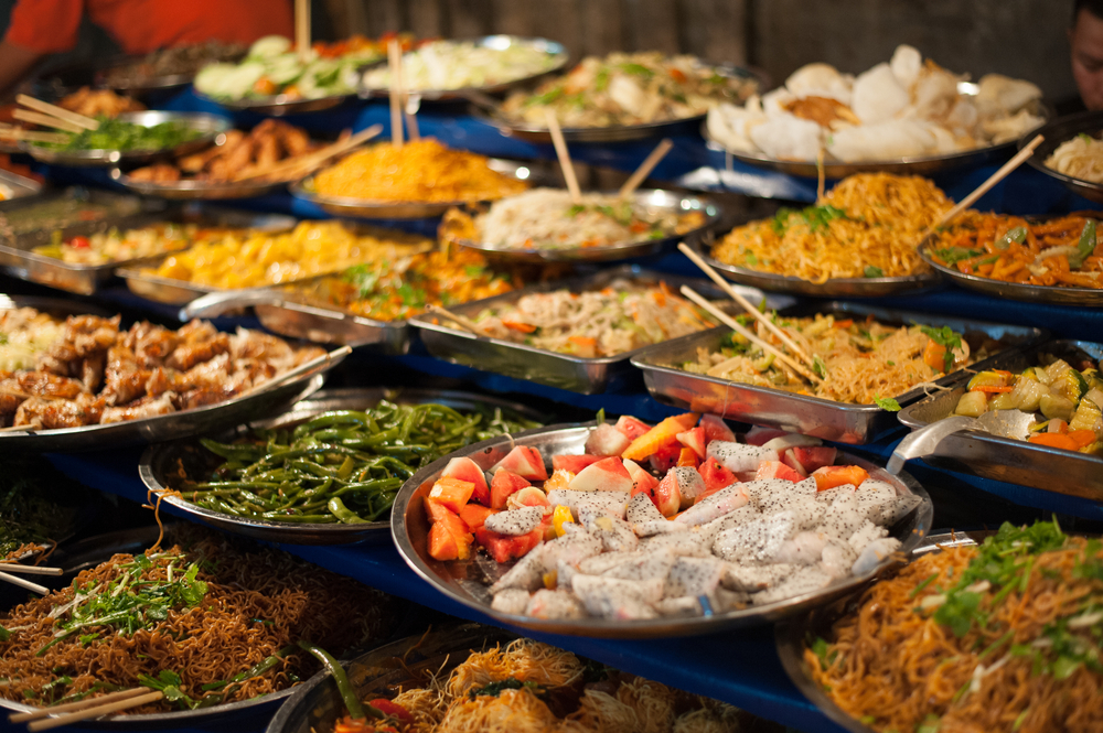 Постояльцев турецких отелей попросили доедать
