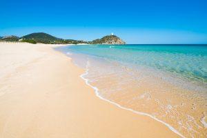 Для охраны песка в Сардинии привлекли полицию