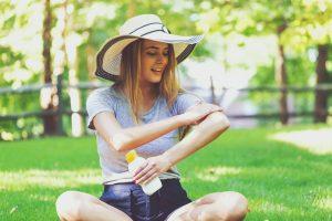 Составляющие солнцезащитного крема абсорбируются в кровь: опасно ли это