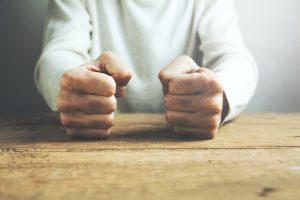 Наука о гневе: как пол, возраст и личность формируют эту эмоцию