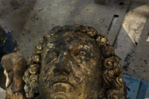 Золотой ангел обнаружен под завалами Нотр-Дама
