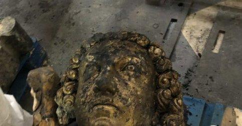 Золотой ангел обнаружен под завалами Нотр-Дама.Вокруг Света. Украина