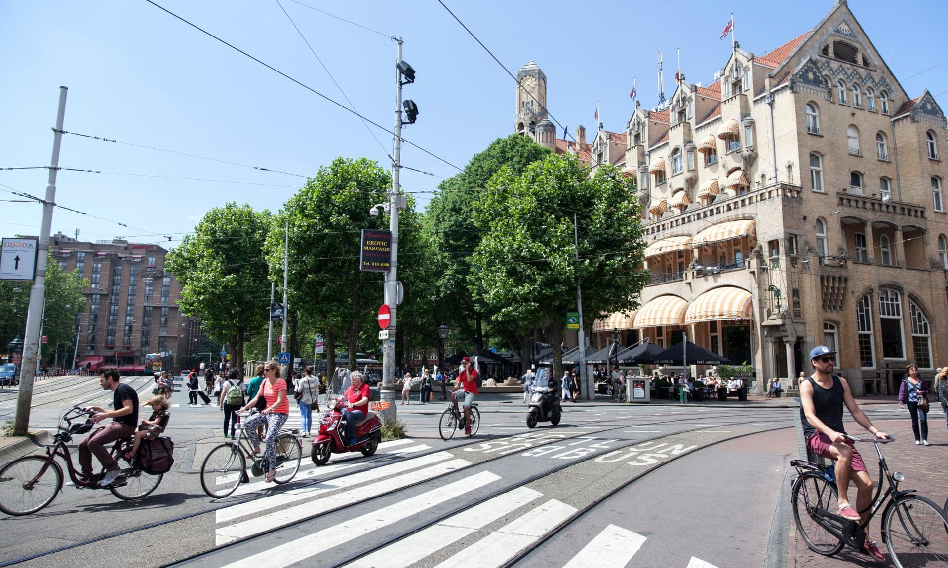 В Амстердаме велосипедисты окончательно победили водителей