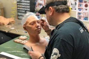 Человекоподобный робот Ай-Да готовится к первой персональной выставке