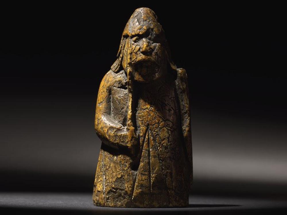 Забытая шахматная фигура оказалась уникальной древностью ценой в миллион фунтов.Вокруг Света. Украина