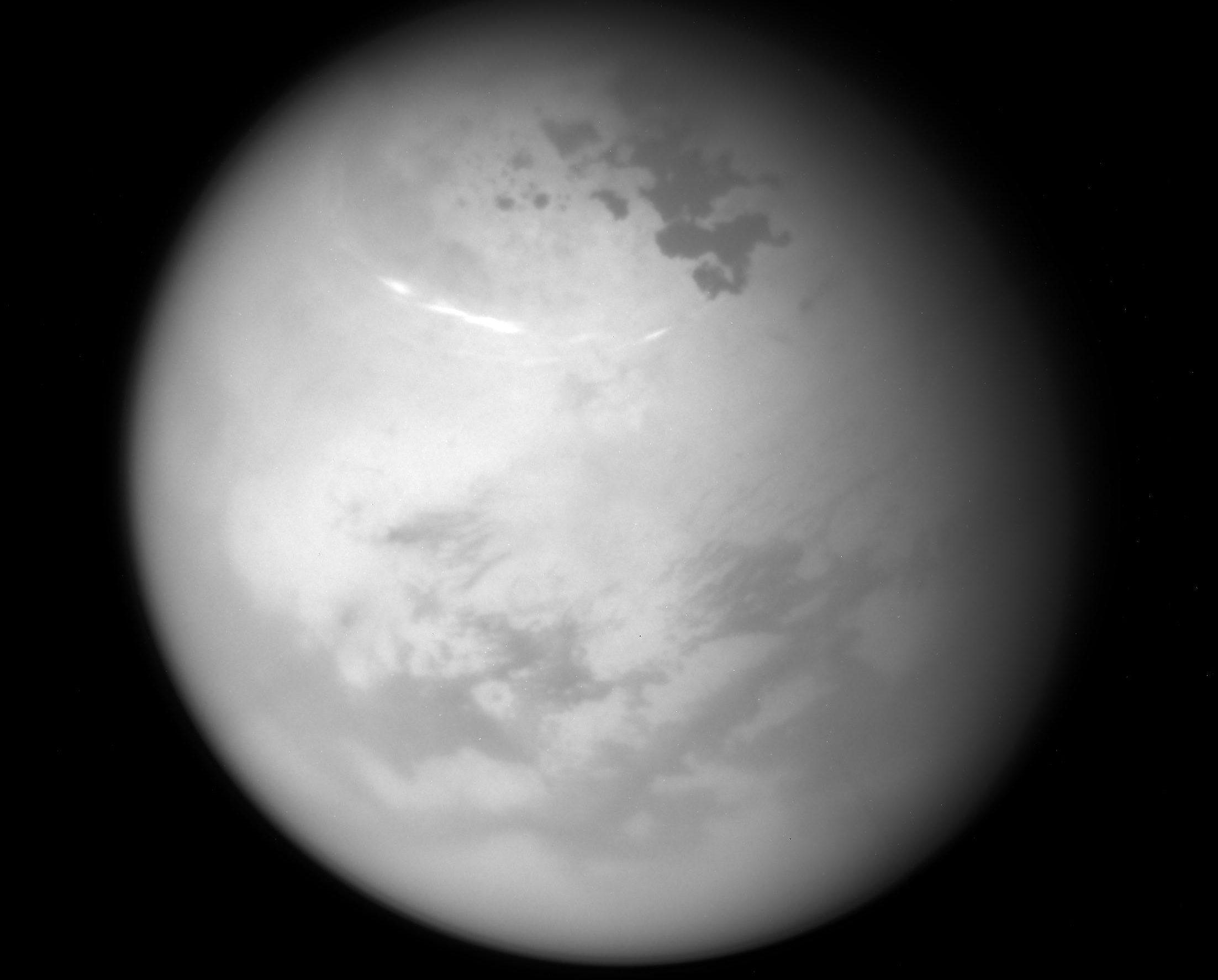 Ученые объяснили происхождение колец вокруг озер на Титане.Вокруг Света. Украина