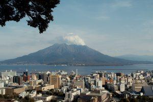 Жизнь с вулканами: 6 дружелюбных к людям вулканов
