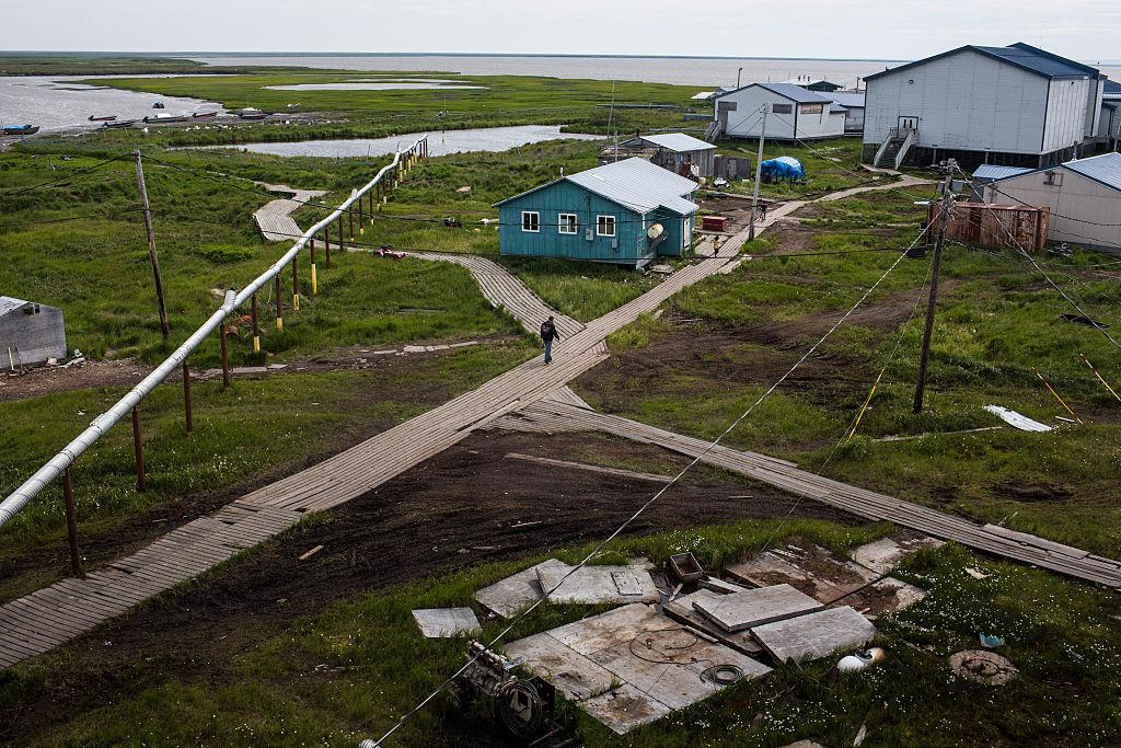 Деревня на Аляске переселяется из-за таяния вечной мерзлоты.Вокруг Света. Украина