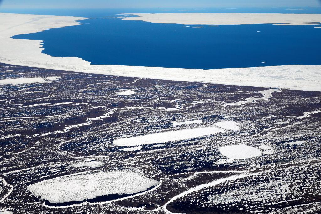 Вечная мерзлота Арктики тает быстрее, чем прогнозировали ученые