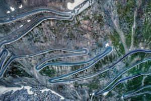 Самые живописные и опасные трассы для путешествий
