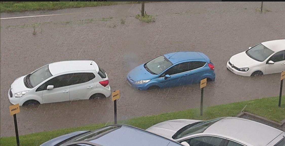 Наводнение в Великобритании: за час выпала недельная норма осадков