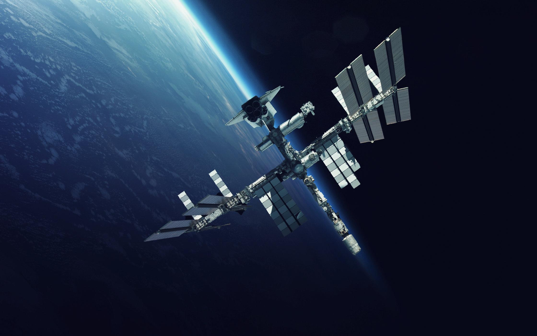 НАСА будет пускать космических туристов на МКС